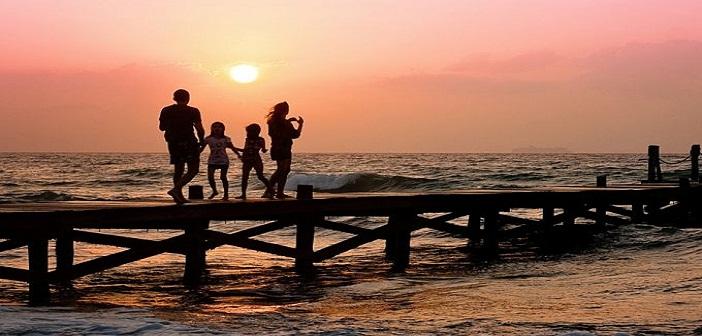 Injil Keluarga sukacita bagi dunia