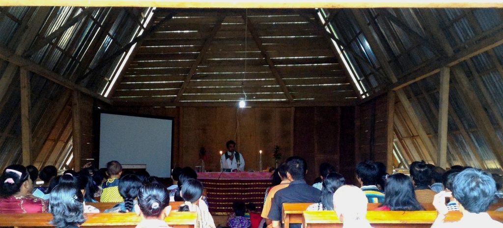 Perayaan ekaristi syukur menjadi acara penutup pada program CMLP yang berlangsung di Kapel St. Maximus Serong. (Br. Kris Tampajara MTB)