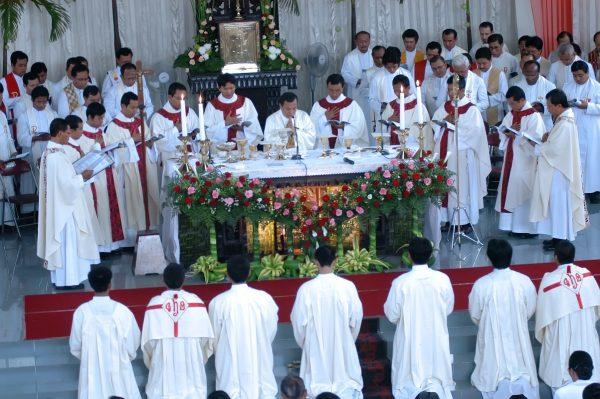 Suasana tahbisan di Kapel Seminari St. Paulus Kentungan, Yogyakarta. (Dok. Seminari Tinggi)