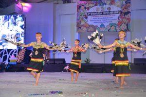 Atraksi budaya OMK Regio Kalimantan (3)