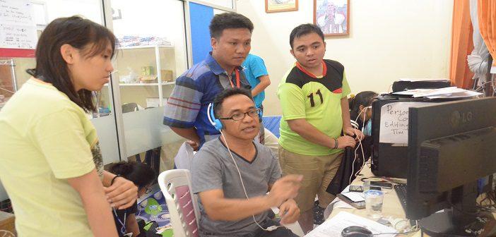 Pemimpin Media Center IYD 2016, Romo Rheiner dan rekan-rekan Media Center di Pineleng, Manado