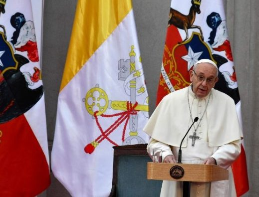Pertemuan Kardinal Bo dengan Paus Fransiskus di Myanmar