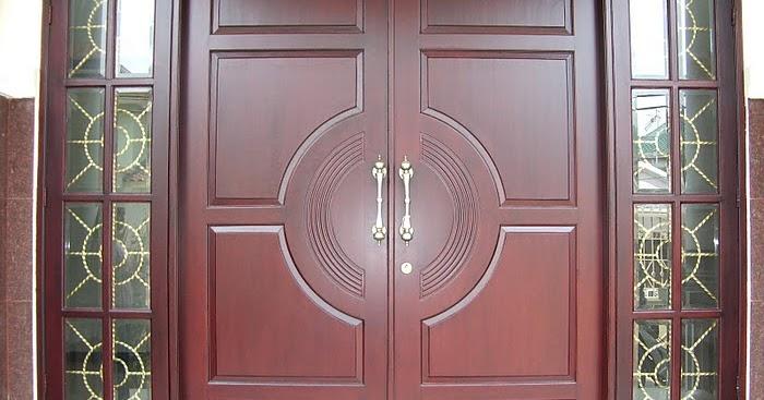 Menutup Pintu Saat Berdoa