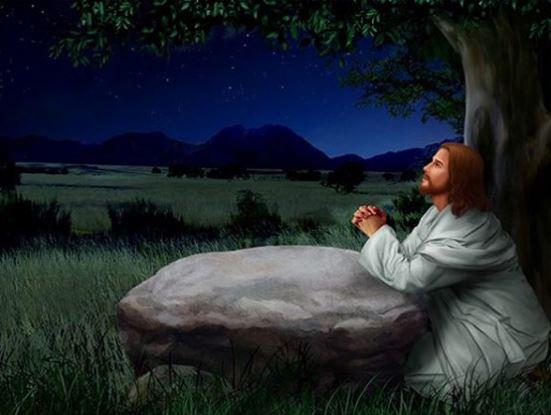 Luk 6:12-19 Yesus memilih dari antara murid-murid-Nya dua belas orang yang disebut-Nya rasul.
